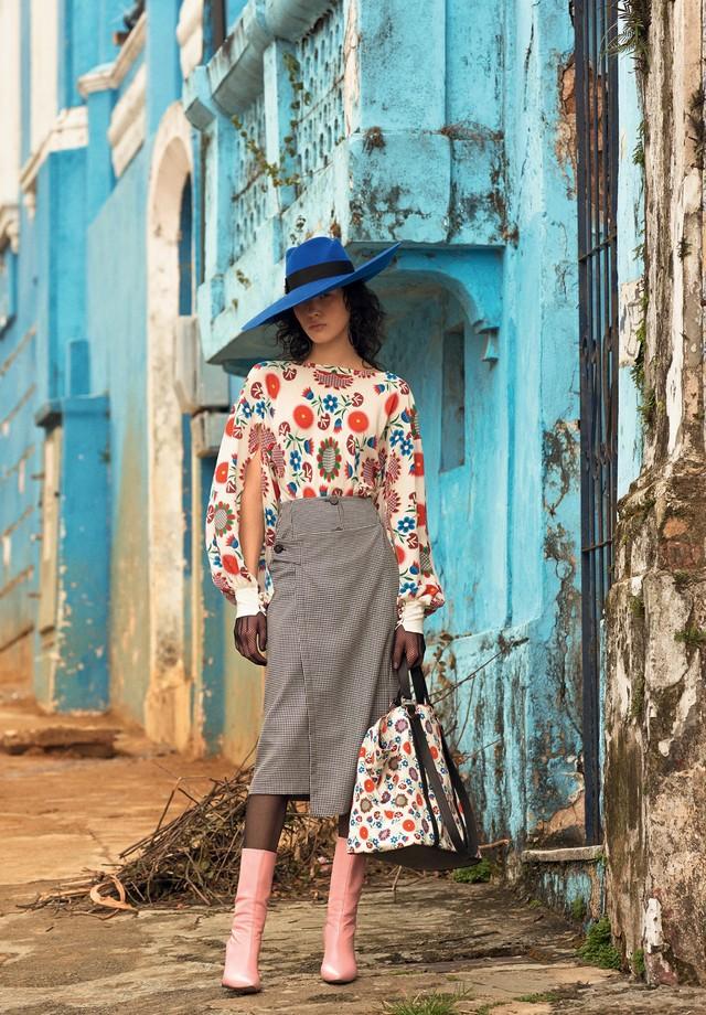 Reinaldo Lourenço - Meias,Wolford; chapéu, Gucci (Foto: Zee Nunes)