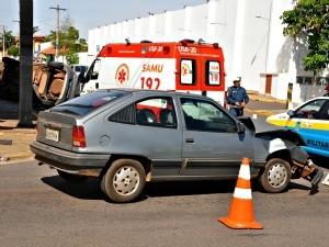 Acidente na avenida Eduardo Elias Zahran em Campo Grande (Foto: Tatiane Queiroz/ G1 MS)