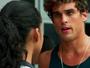 Gabriel troca olhares com Joana