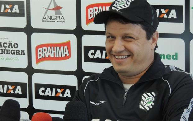 Figueirense Adilson Batista (Foto: Renan Koerich)