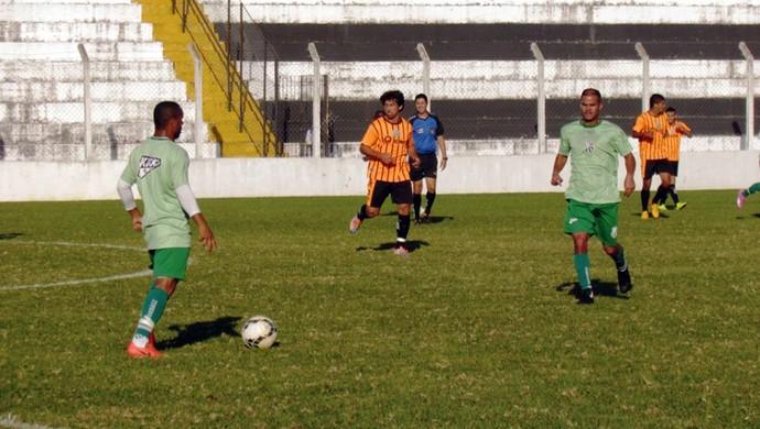 Caldense perdeu o primeiro jogo-treino de preparação para a Série D por 2 a 0 para a União Barbarense, em Santa Bárbara d'Oeste (SP) (Foto: Divulgação Caldense)