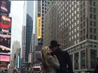 Ex-BBBs Adriana e Rodrigão curtem viagem a Nova York