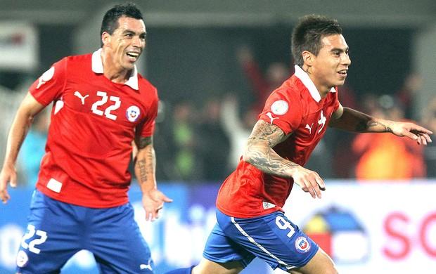 Vargas gol jogo Chile e Bolívia (Foto: EFE)