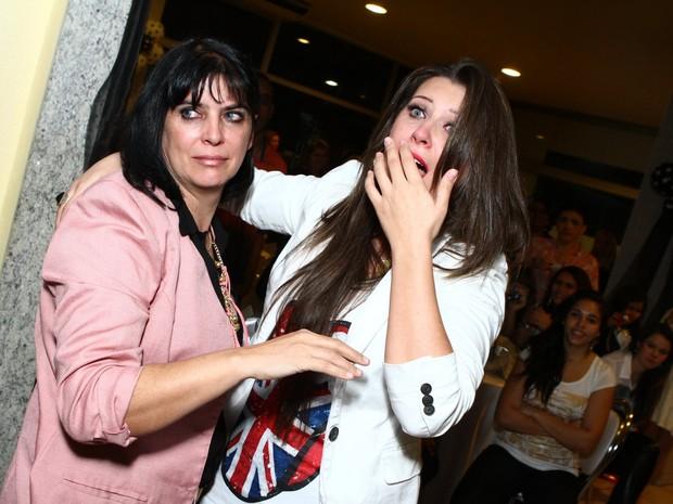 Ex-BBB Andressa com a mãe, Rosângela (Foto: Raphael Mesquita/ Foto Rio News)