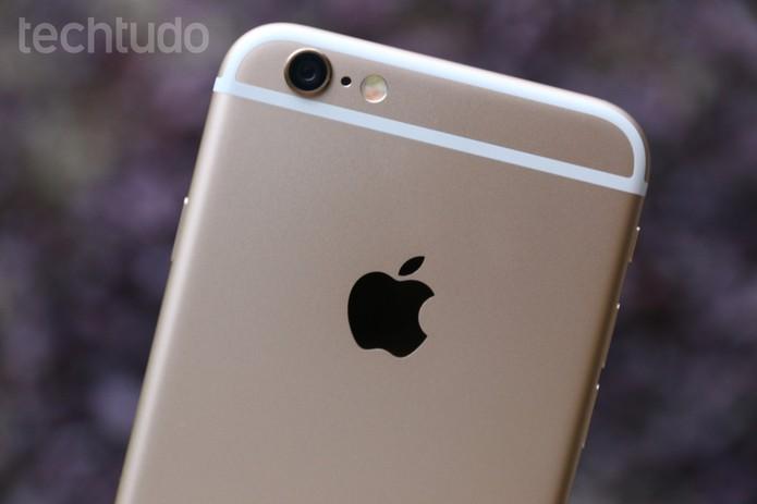 Detalhe da câmera traseira do iPhone 6 (Foto: Lucas Mendes/TechTudo)