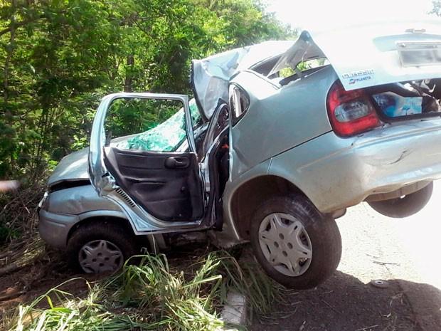 Acidente perto de Muquém do São Francisco, na Bahia, mata mulher e fere quatro pessoas (Foto: David Costa)