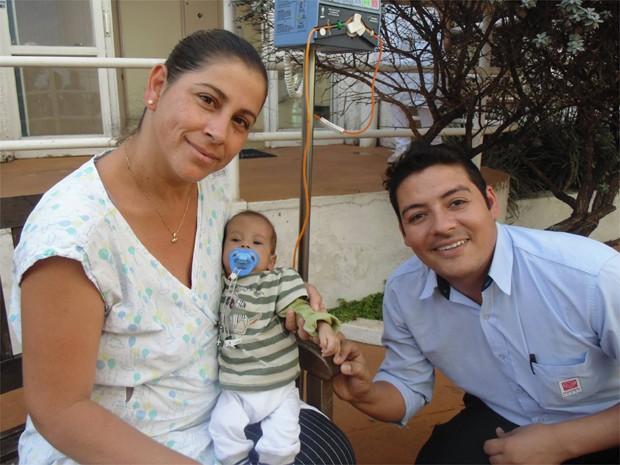 Davi MIguel nasceu com 3,2 kg; atualmente com cinco meses, o menino pesa 3,6 kg, consequência da doença rara que possui (Foto: Divulgação)