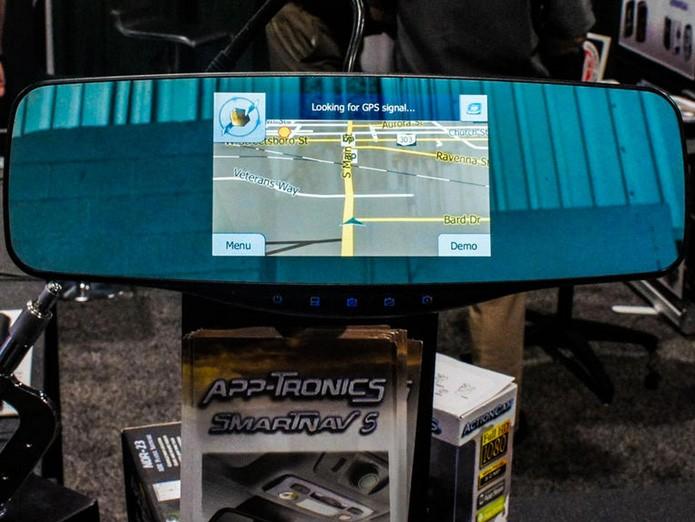 SmarNav 5 leva o navegador GPS para dentro do espelho retrovisor (Foto: Reprodução/Wayne Cunningham/CNet)