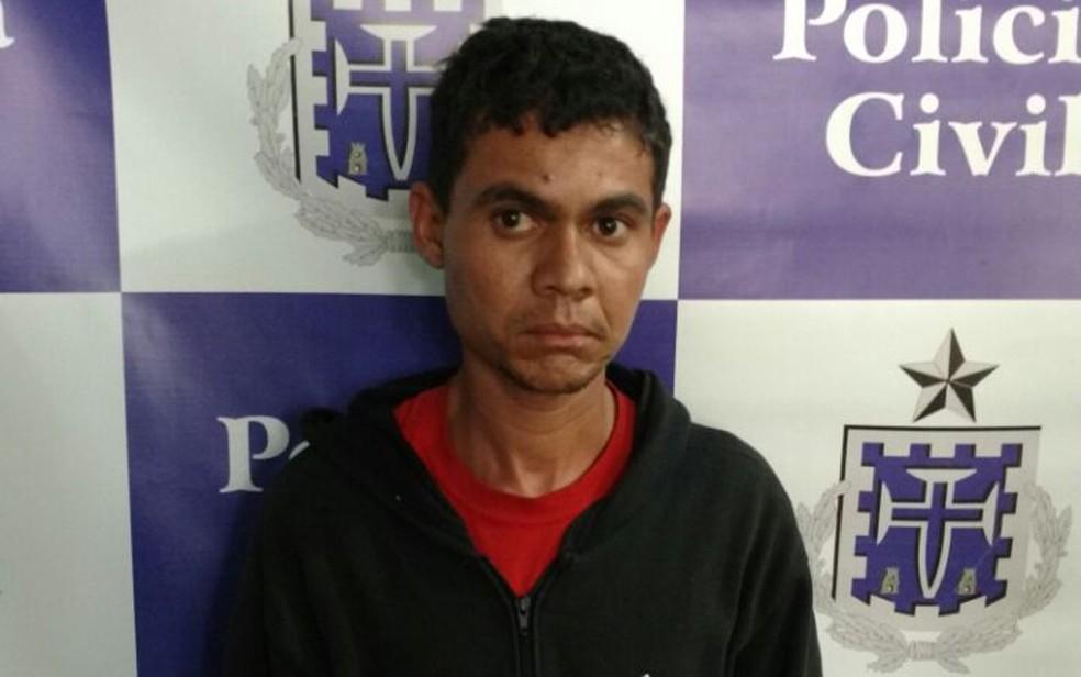 Homem atraía vítimas com jogo de celular e bicicleta, segundo polícia (Foto: Divulgação/ Polícia Civil)