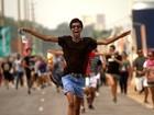 Fãs enlouquecidos correm para grade em penúltimo dia do Rock in Rio