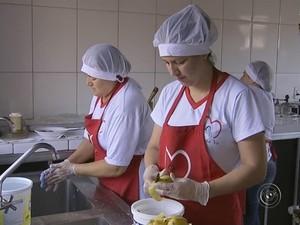 Dona de restaurante fala em crescimento após Ufscar na cidade vizinha (Foto: Reprodução/ TV TEM)