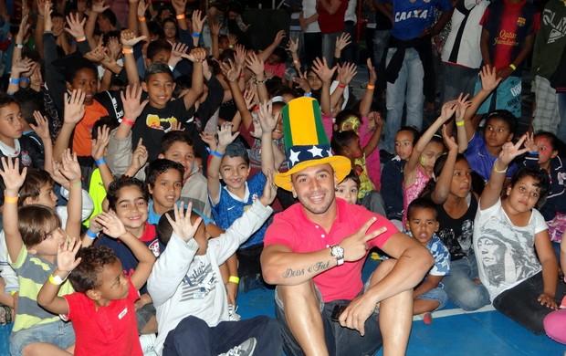 Guilherme faz a festa de crianças em Santo André (Foto: Divulgação)
