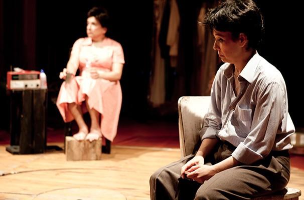 Lúcia Romano e Edgar Castro em cena do espetáculo (Foto: Divulgação)