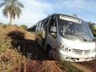 Trabalhador morre em colisão entre caminhão e micro-ônibus
