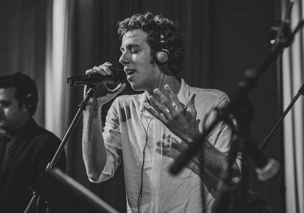 João Côrtes prepara seu primeiro álbum (Foto: Paulo Rapoport/Divulgação)