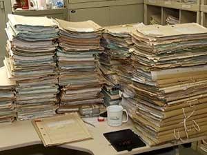 Parte dos processos que aguardam análise (Foto: Reprodução/TV Integração)