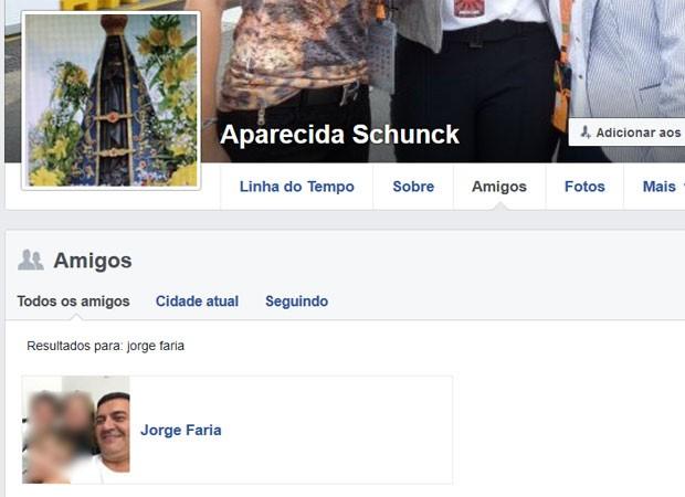 Piloto Jorge Faria aparece na relação de amigos de Aparecida Schunck em sua página no Facebook (Foto: Reprodução/Facebook/Aparecida Schunck)