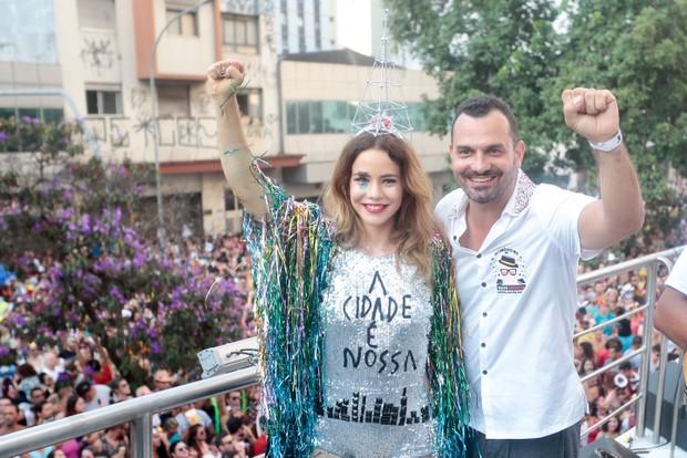 Leandra Leal com seu marido (Foto: Rafael Cusato/EGO)