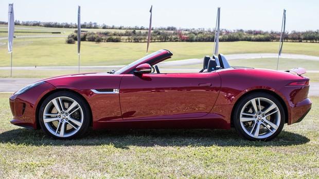 Veja a galeria de fotos do esportivo Jaguar F-Type