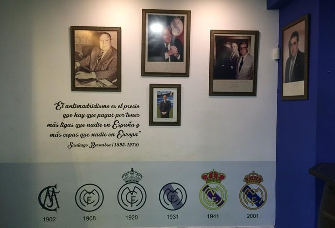 Parede traz linha do tempo dos escudos do Real e quadros com principais presidentes (Foto: Ivan Raupp)