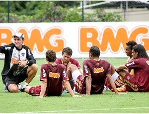 Cuca comanda treino no Atlético-MG (Foto: Bruno Cantini / Site Oficial do Atlético-MG)