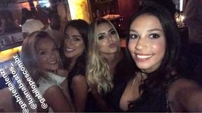 Luciana Chamone, a garota que conquistou Justin Bieber, com Gabi Lopes e amigas (Foto: Reprodução / Instagram)