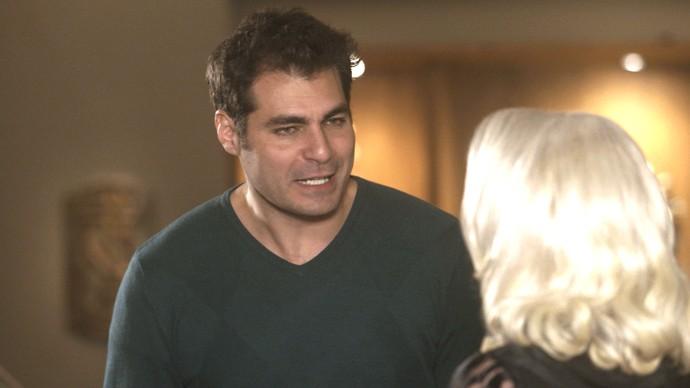 Ciro é expulso da mansão da família Leitão por Mág (Foto: TV Globo)