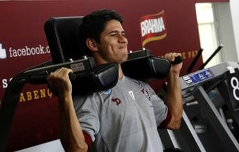 Osvaldo encara ex-clube pela primeira vez em SP e tenta furar fila no rodízio