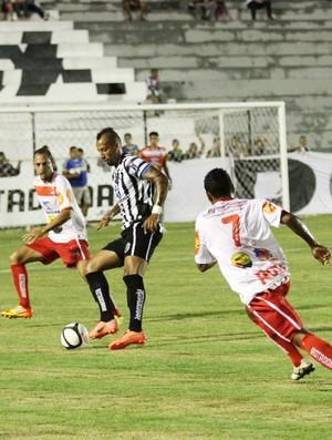 Treze 2 x 0 Auto Esporte - campeonato paraibano (Foto: Magnus Menezes / Jornal da Paraíba)