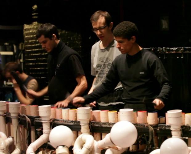 Diego (ao centro de preto) treinando com Ricardo (à esquerda)  (Foto: Divulgação)