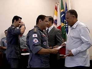 aniversário bombeiros uberlândia (Foto: Reprodução/ TV Integração)