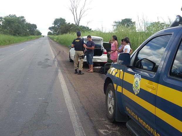 Operação da PRF fiscalizou um total de 1329 veículos e 1495 pessoas nas estradas do estado (Foto: Divulgação/PRF-TO)
