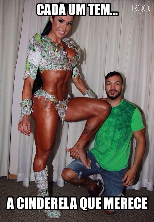 Gracyanne Barbosa e Belo meme (Foto: Celso Tavares/EGO)