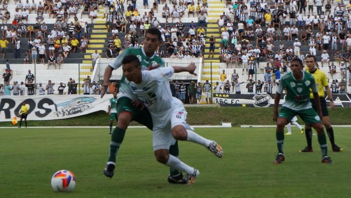 Erivélton, meia do ABC - ABC x Alecrim, no Estádio Frasqueirão (Foto: Augusto Gomes/GloboEsporte.com)