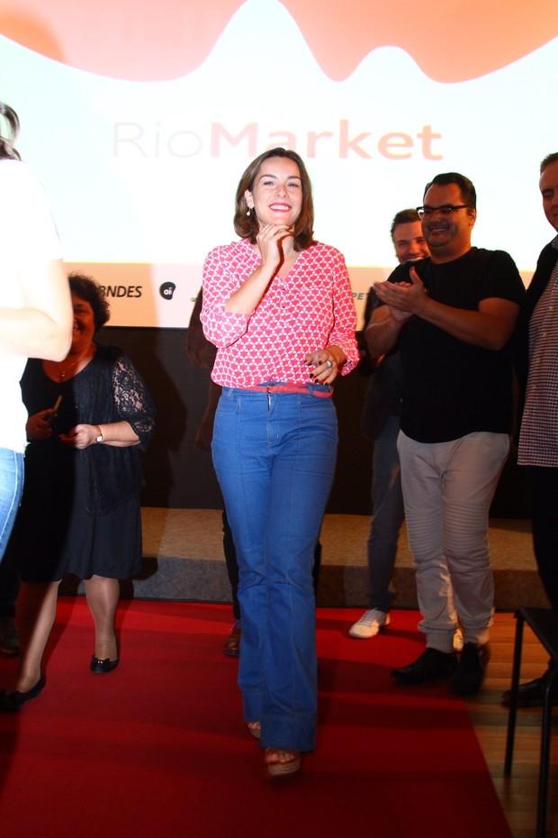 Regiane Alves no Festival do Rio (Foto: AgNews  / AgNews)