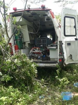 PRF vai ouvir pessoas na ambulância para identificar causa do acidente (Foto: PRF/Divulgação)