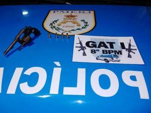 Material foi encaminhado com o suspeito para a 134ª DP Centro, em Campos (Foto: Divulgação/Polícia Militar)