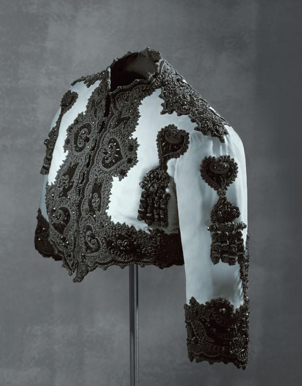 Bolero jacket, EISA, Spain, 1947 (Foto: © Museo Cristóbal Balenciaga)