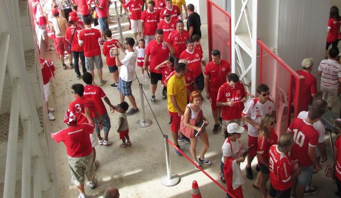 Filas Beira-Rio reinauguração amistoso (Foto: Tomás Hammes/GloboEsporte.com)