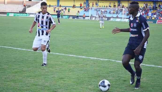 São Francisco venceu por 2 a 1 o São Raimundo pela terceira rodada do returno do Parazão 2016 (Foto: Dominique Cavaleiro/ GloboEsporte.com)