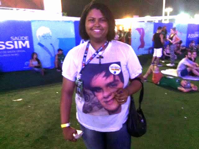 Alessandra foi ao Rock in Rio com a camisa de Luan Santana (Foto: Cristina Boeckel/G1)