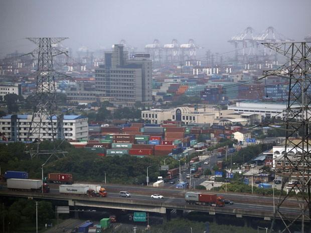 Vista geral da zona livre de comércio de Xangai, no distrito de Pudong, neste domingo (29) (Foto: Carlos Barria/Reuters)