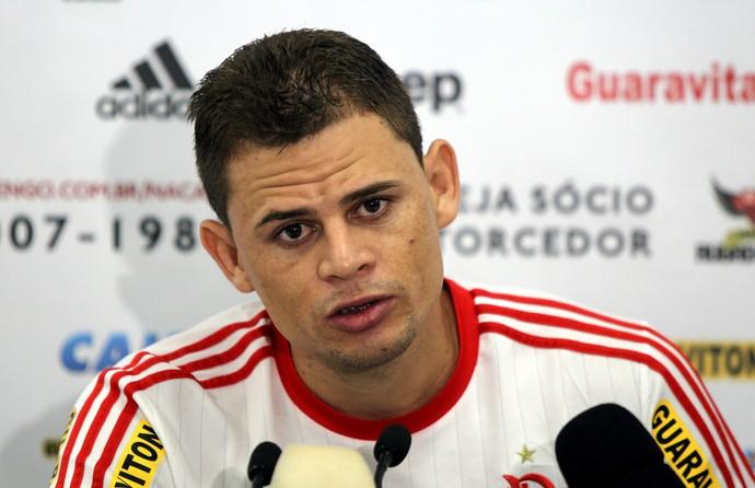 Jonas entrevista Flamengo (Foto: Cezar Loureiro / Ag. O Globo)