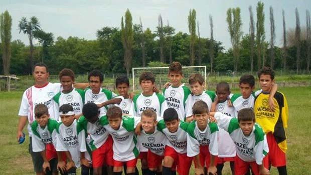 Estrela de Minas escolinha de futebol Divinópolis (Foto: Arquivo Pessoal / Helen Pereira Assumpção)