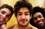 Enquanto não estreia pelo Chelsea, Pato tira selfie com brasileiros (Reprodução / Instagram)