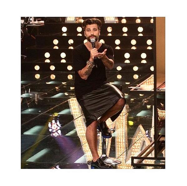 Bruno Gagliasso de saia Hugo Boss no 'Amor e Sexo' (Foto: Reprodução/Instagram Bruno Gagliasso)