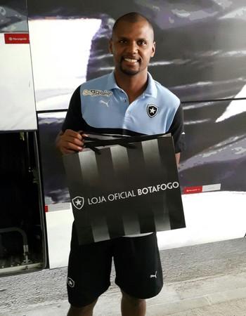 Jefferson Botafogo (Foto: GloboEsporte.com)