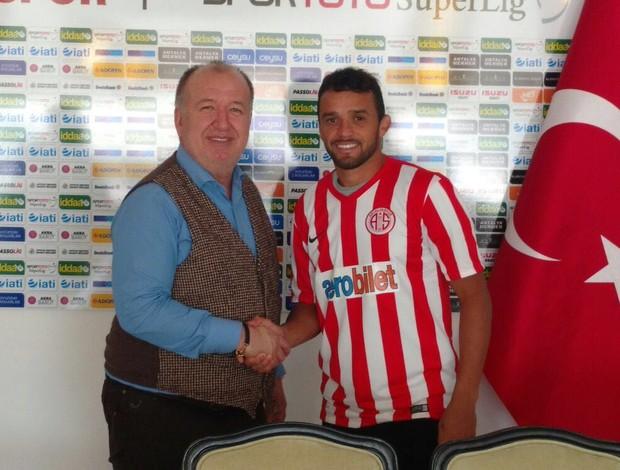 Charles no Antalyaspor