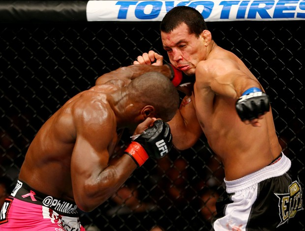 Phil Davis x Vinny Magalhaes UFC 159 (Foto: Getty Images)