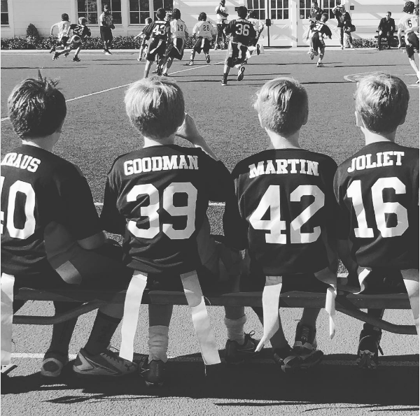 O filho de Chris Martin e Gwyneth Paltrow em um jogo de futebol (Foto: Instagram)